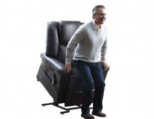 DreamMaker Lift Chair by Relax The Back